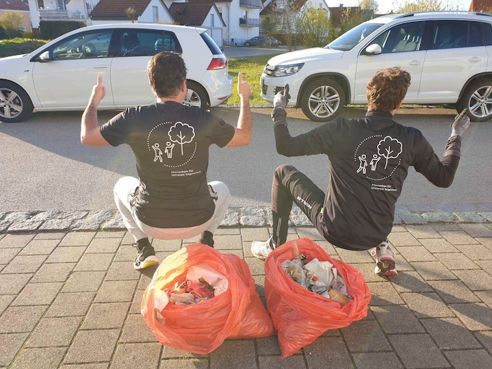 """Afterwork-Plogging"" on World Earth Day"